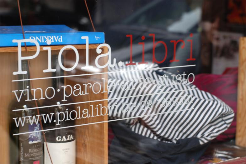 brussels-kitchen-piola-libri-italien-bar-vin-apero02