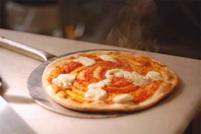 la-belle-equipe-bruxelles-restaurant-pizza-resto-brussels-brusselskitchen-antoine-dansaert02