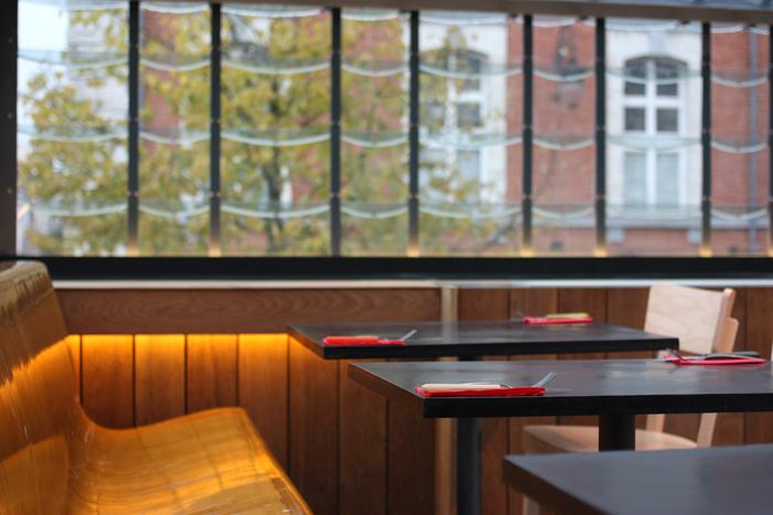 pinpon-restaurant-supersec-brusselskitchen-philippe-emmanuelli-marolles-jeudeballes-marché-aux-puces-bruxelles0009