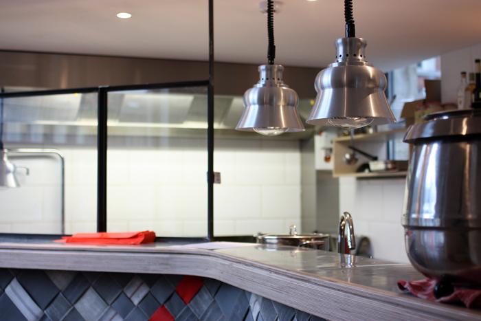 pinpon-restaurant-supersec-brusselskitchen-philippe-emmanuelli-marolles-jeudeballes-marché-aux-puces-bruxelles0013
