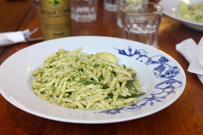 via-balbi-restaurant-italien-cantine-lunch-midi-pates-italiennes-bruxelles-nouveau-resto-trendy-brusselskitchen-rue-de-namur-liguria-trofie06