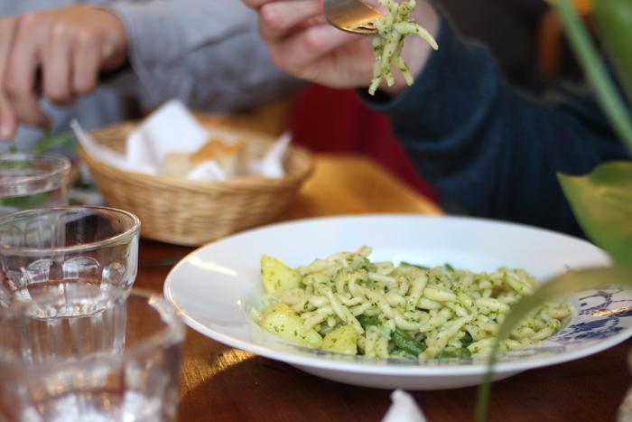 via-balbi-restaurant-italien-cantine-lunch-midi-pates-italiennes-bruxelles-nouveau-resto-trendy-brusselskitchen-rue-de-namur-liguria-trofie07