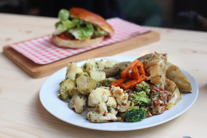 mammouth-restaurant-bruxelles-vegetarien-legumes-bio-homemade-maison-pain-de-viande-gare-du-midi-bruxelles-brusselskitchen-concept-food-healthy-new-bon-plan07