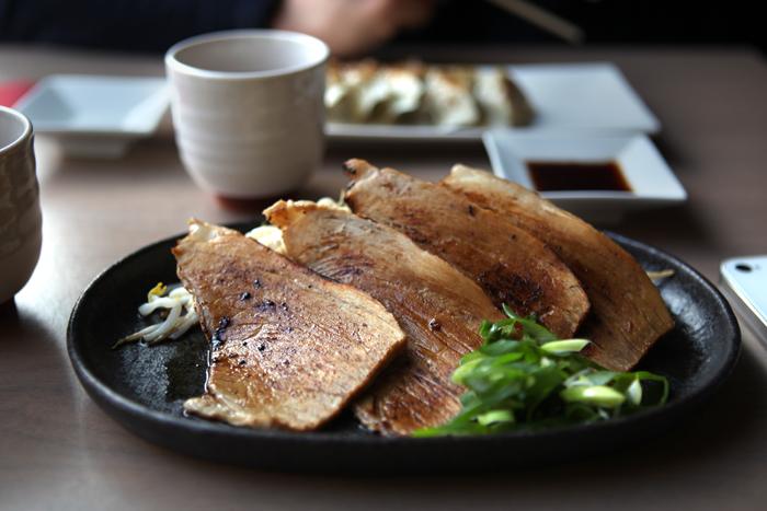 menma-memna-ramen-japonais-restaurant-nouilles-noodle-bar-japanese-brussels-bruxelles-brusselskitchen-soupe-soup-best-joint-food-bon-plan-cimetiere-ixelles-food-foodie01