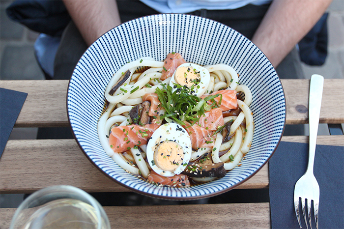 little-tokyo-restaurant-resto-japonais-japanese-brussels-bruxelles-new-food-foodie-blog-brusselskitchen-edamame-tempura-ramen-udon-teriyaki-saint-boniface-terrasse-spritz-design-trendy-hipster-place-blogger-foodblogger20150415_0005
