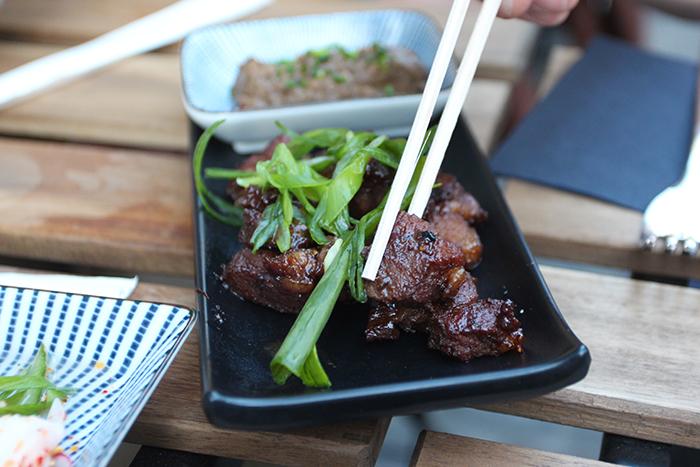 little-tokyo-restaurant-resto-japonais-japanese-brussels-bruxelles-new-food-foodie-blog-brusselskitchen-edamame-tempura-ramen-udon-teriyaki-saint-boniface-terrasse-spritz-design-trendy-hipster-place-blogger-foodblogger20150415_0006
