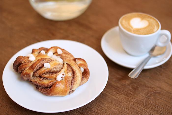 fika-bruxelles-espresso-bar-cafe-coffee-roasters-finca-nouveau-saint-boniface-rue-de-la-paix-brussels-kitchen-brusselskitchen-suedois-bk0104